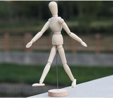 Manekin Kayu Figure